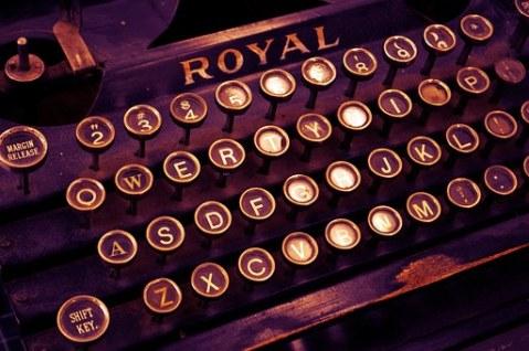 typewriter-1170657__340